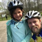 De kleine meid en papa